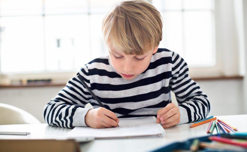 Miten kohennat lapsen itsetuntoa lukijana? 5 vinkkiä